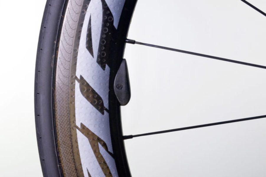 Silca_SpeedBalance_aero-wheel-magnet-balancing-setup_magnet-600x400