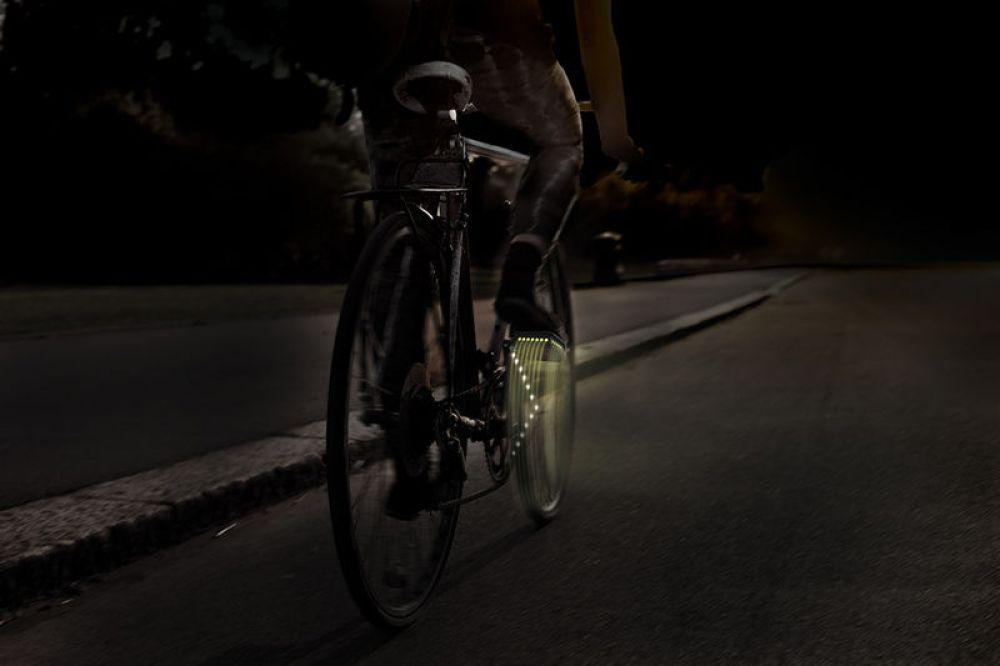 bicycle-winker
