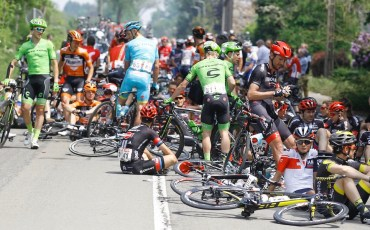 Verviers - Belgium - wielrennen - cycling - radsport - cyclisme -  neutralisation of stage 4 after a crash pictured during stage 4 of the 2016 Baloise Belgium Tour cycling race with start in Verviers and finish in Verviers, Belgium  - photo JdM/PN/Cor Vos © 2016