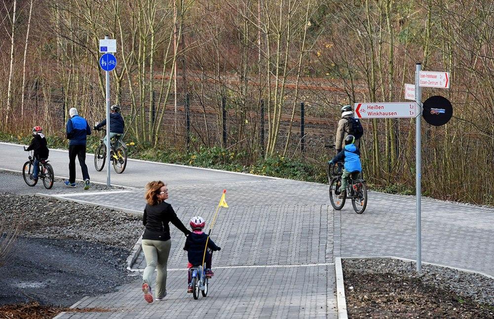 bike-autobahn-germany-article