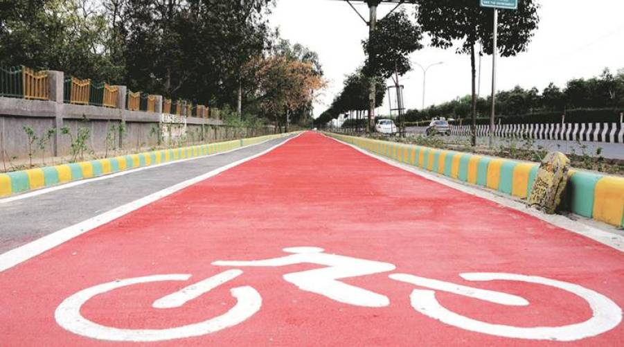Cycle track in Noida-Express Photo by Gajendra Yadav,11/07/2016