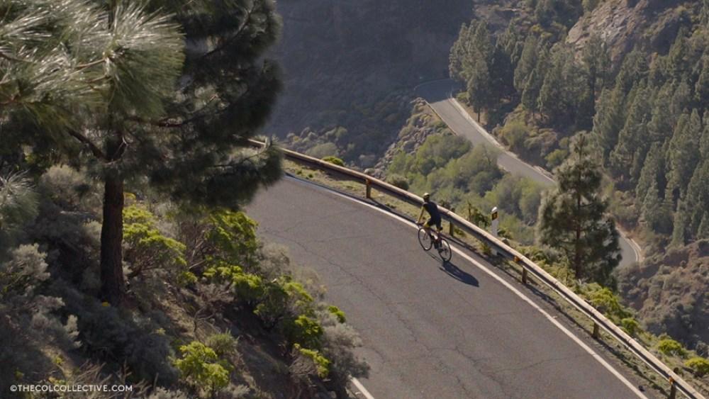 climbing-towards-Roque-Nublo-920