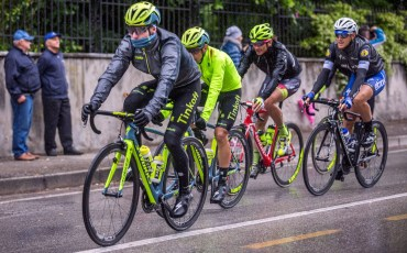 Sportful_Stelvio-Jacket_lightweight-packable-breathable-rain-jacket_Tinkoff-racing