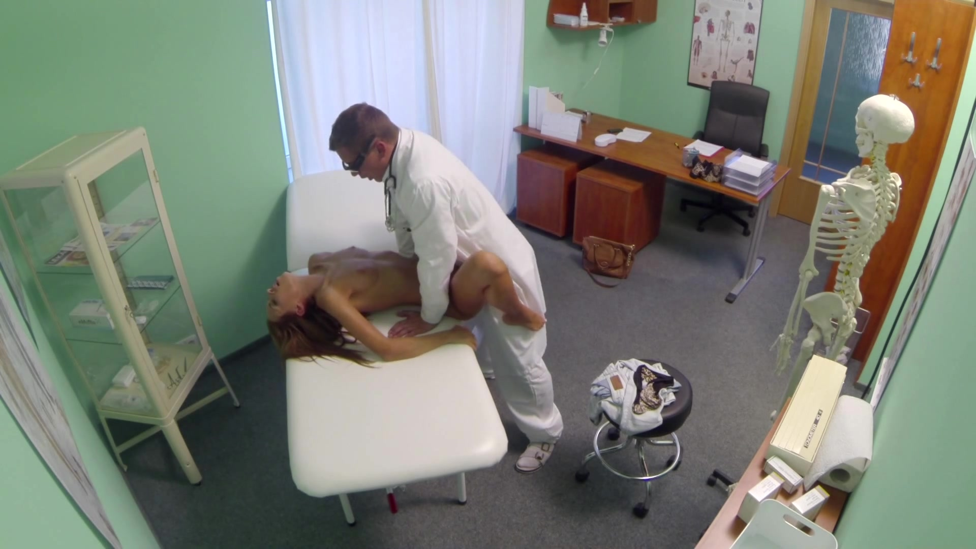 Sexy Patients Has Hot Sex with Her Doctor