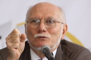 Giordani, with a tight grip on economic policy