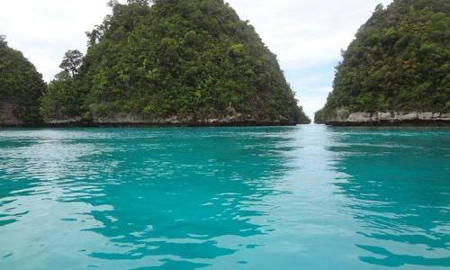 Mesmerizing Turquoise Water in Osmeña, Libjo, Dinagat Islands
