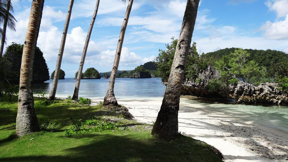 pangabangan beach, magsaysay, libjo, dinagat islands