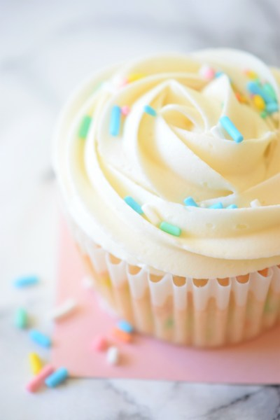 How to make Birthday Cake Cupcakes