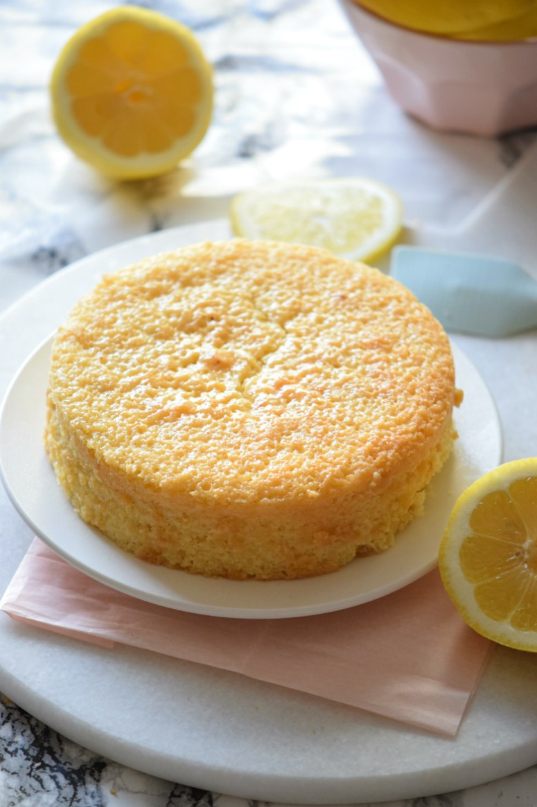 How to make lemon cake that comes out perfectly every time! Seriously guys so EASY and DELICIOUS! | carmelapop.com
