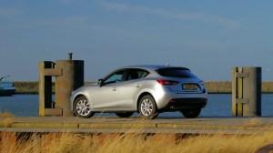 Mazda-3-SkyActivD-flank