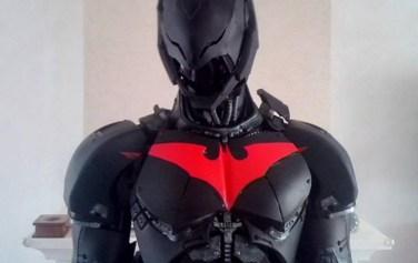 Limpressionnant-cosplay-de-Batman-Beyond-réalisé-par-un-français-7
