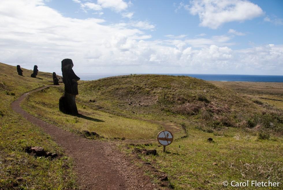 Moai - Don't walk on the Moai