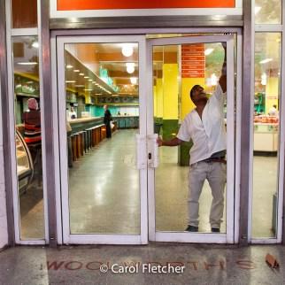 woolworths havana cuba variedades store door