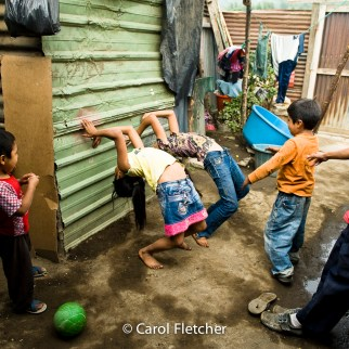 Guatemala kids playing backbends duenas