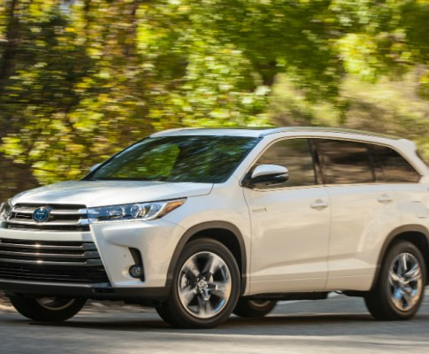 2017 Toyota Highlander: Midsize Perfection