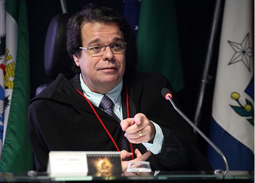 Desembargador mostra fraude na liminar contra posse do ex-presidente Lula