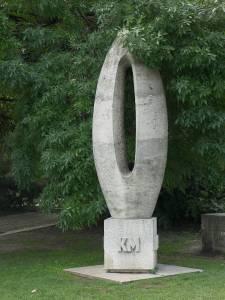 sculpture-Budapest-zero-km