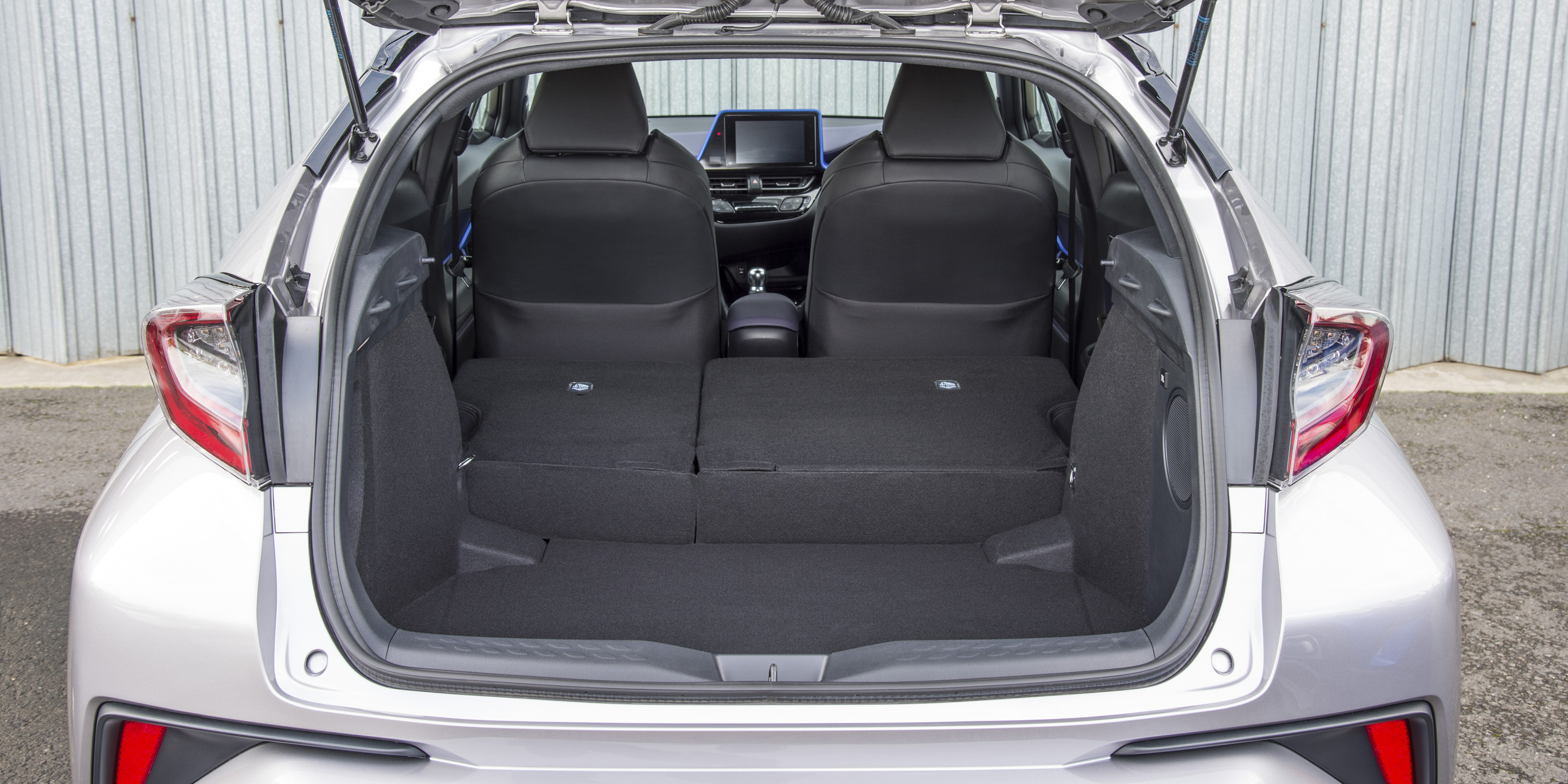 Fold The Rear Seats Down And There\u0027s A 1,160-litre Space \u2013 Way On  1,655-litre VW Tiguan