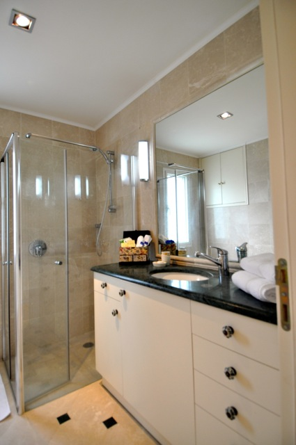 White Suite Bathroom