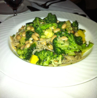 Gluten free pasta, cannellini beans, broccoli and zucchini