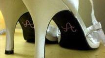 Tutorial: Inicial na sola do sapato da noiva