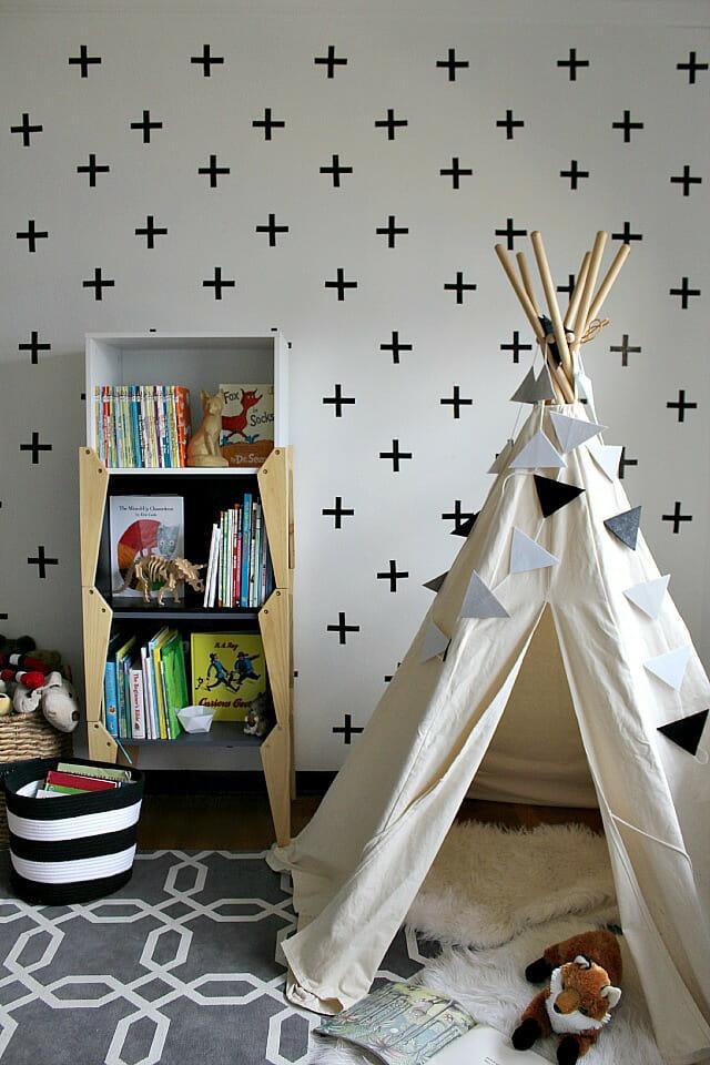 diy-cross-wall-pia-wallen-inspired