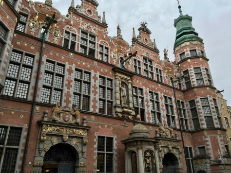 a closer look at Wielka Zbrojownia (Great Armory) on the corner of Tkacka and Piwna Streets in Gdańsk, Poland