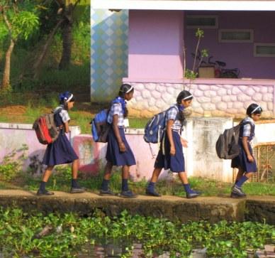 backwaters do kerala meninas