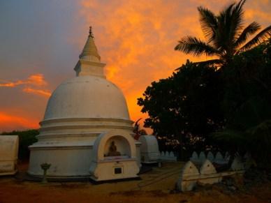 Pagoda O pôr do sol cingalês