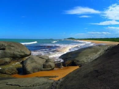 O mar ficando marrom como a lagoa!