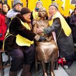 韓国の元慰安婦集会が1000回目、日本大使館前に少女像設置