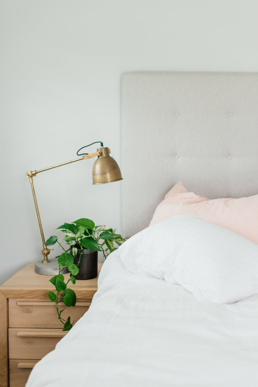 Pure linen bedding white and blush