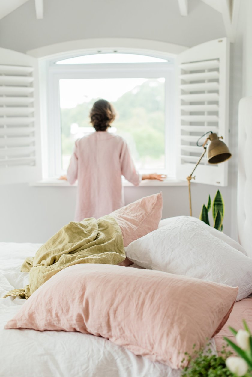Pure linen bedding white and blush(1)