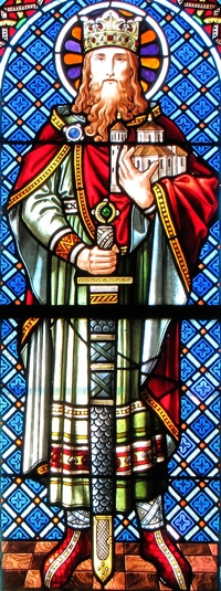 detail of a stained glass window of Saint Dagobert II; by Jean Weyh in the 19th century; Chapelle Saint-Léon, Alsace, Haut-Rhin, France; photographed in 2014 by Ralph Hammann; swiped from Wikimedia Commons