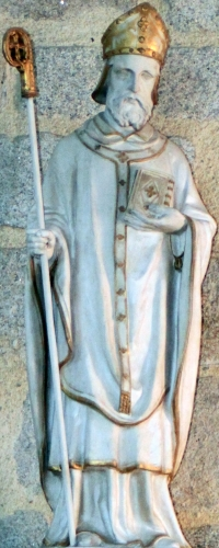statue of Saint Félix of Nantes; date unknown, sculptor unknown; Chapelle du Crucifix, Croisic, France; photographed on 19 September 2014 by Llann Wé²; swiped from Wikimedia Commons