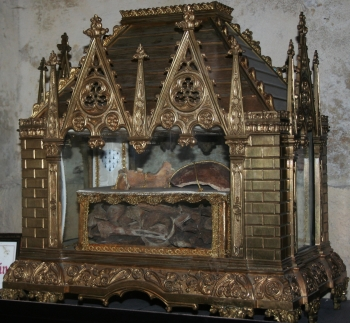 reliquary of Saint Gilduin; artist unknown, date unknown; Church of Saint-Pierre de Chartres, France; photographed on 14 May 2011 by Johann 'nojhan' Dréo; swiped from Wikimedia Commons