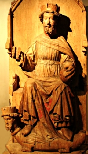 statue of Saint Olaf II, date and artist unknown; photographed by Nina Aldin Thune; swiped from Wikimedia Commons; click for source image