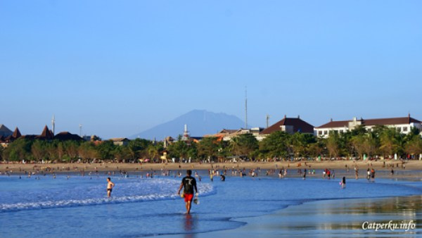 Pantai Terbaik Di Pulau Bali 10 : Pantai sejuta umat, pantai Kuta