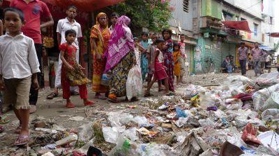 Bangladesh slum life - Photo 1 - Pictures - CBS News