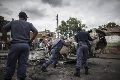 South Africa anti-immigrant violence: Foreign-owned shops ...