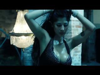 Espectacular Lisbeth Aranda en videoclip de Gocho & Yandel
