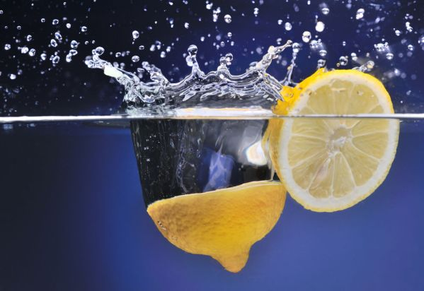 Health Benefits Of Drinking Lemon Water in The Morning