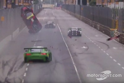 Laurens Vanthoor, Audi Sport Team WRT Audi R8 LMS crash at FIA GT World Cup: Macau on November ...