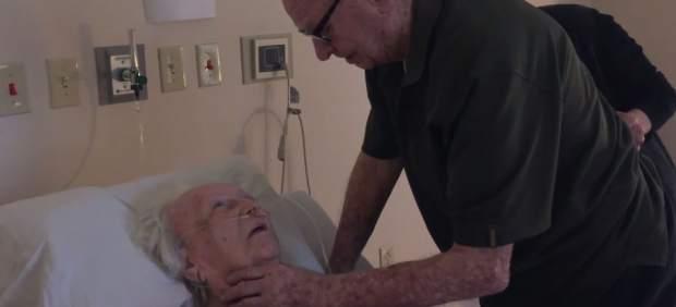 El vídeo de un matrimonio de 92 y 93 cantando su canción en cuidados paliativos se viraliza