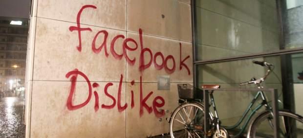 Atacan la sede de Facebook