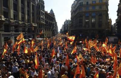 Masiva manifestación en el centro de Barcelona por la unidad de España - 20minutos.es