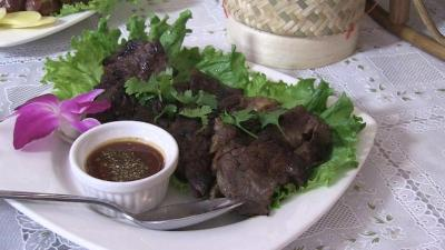 Lincoln Park Thai restaurant cooks up home-style food ...