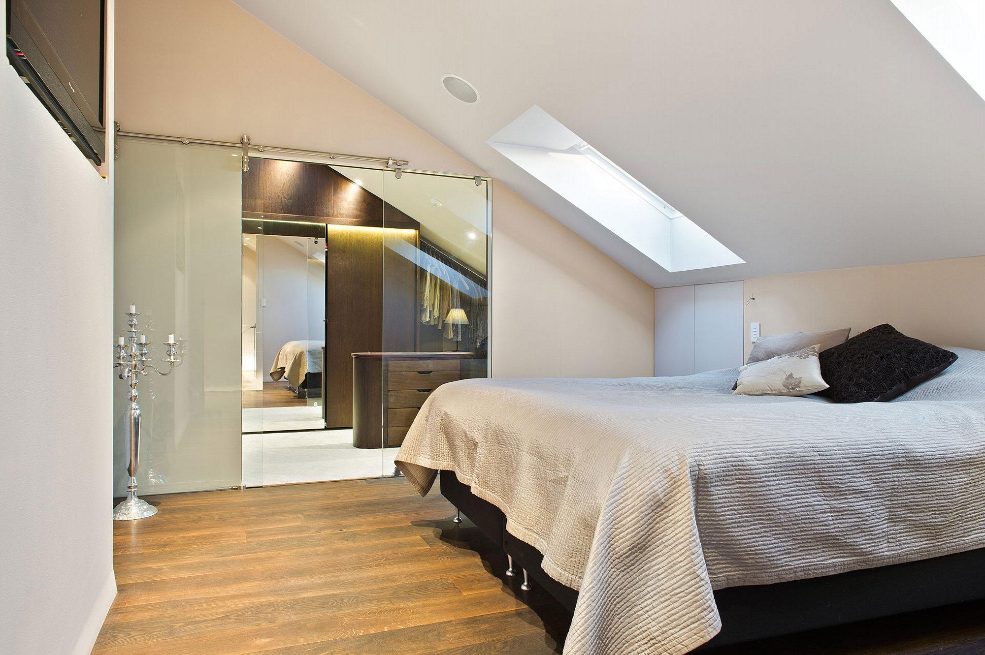 Fullsize Of Square Bedroom Design