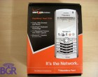 BlackBerry Pearl 8130 unboxing! - Image 1 of 12