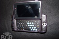 T-Mobile Sidekick LX hands on - Image 3 of 15